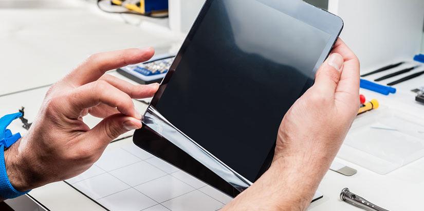 Наклейка пленки на планшет